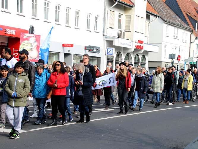 """Imagine Peace"" Friedberg feiert Frieden"