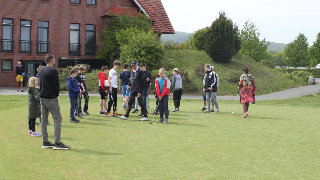 Neues Golfprojekt Für Sehbehinderte Schüler